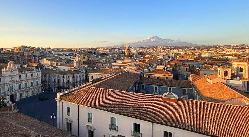 Catania vista sull'etna