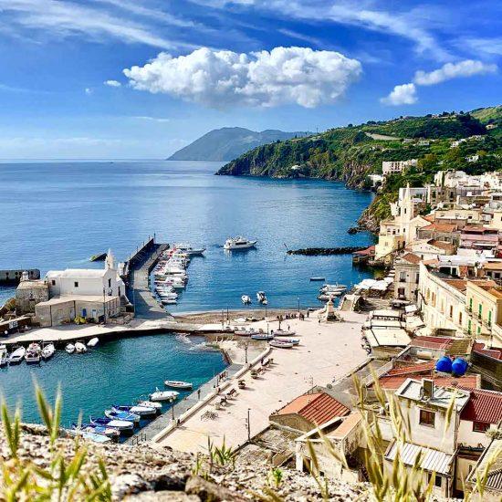 Lipari, panoramica su Marina Corta