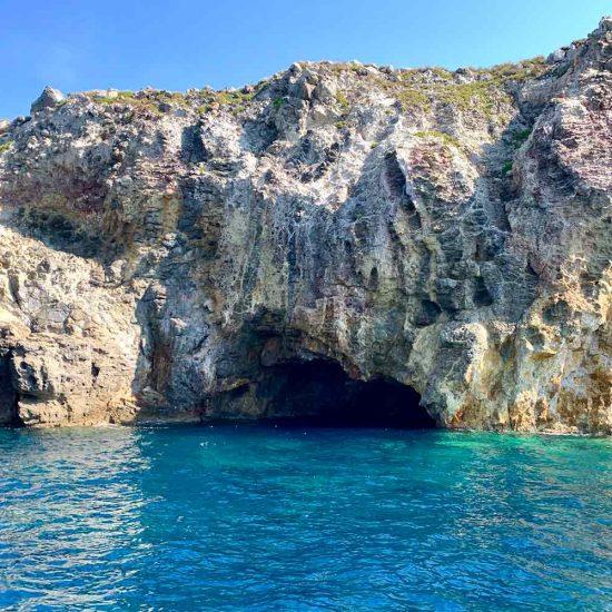 Panarea, grotta
