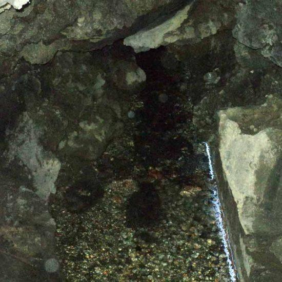 Il fiume Amenano visibile all'ostello Agorà