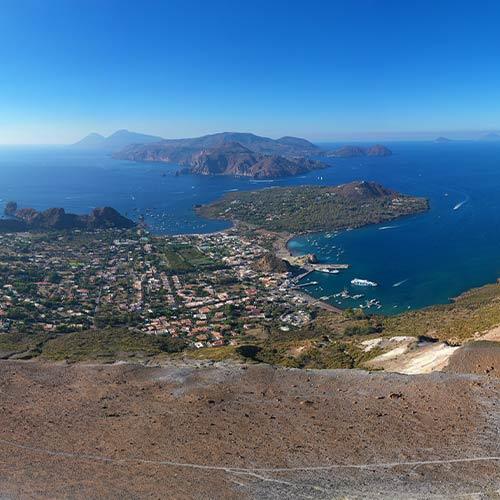 Vulcano cratere guida viaggio in sicilia